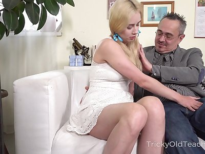 Old pedagogue enjoys screwing young student with pigtails Effy Sweet